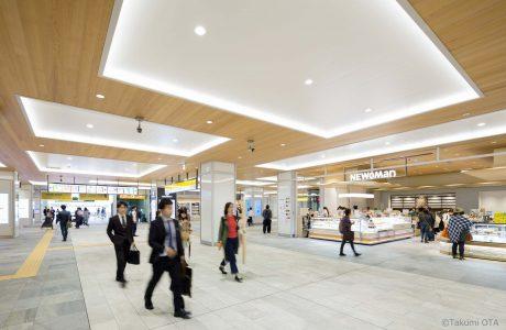 JR 新宿駅新南口エリアサブ画像2