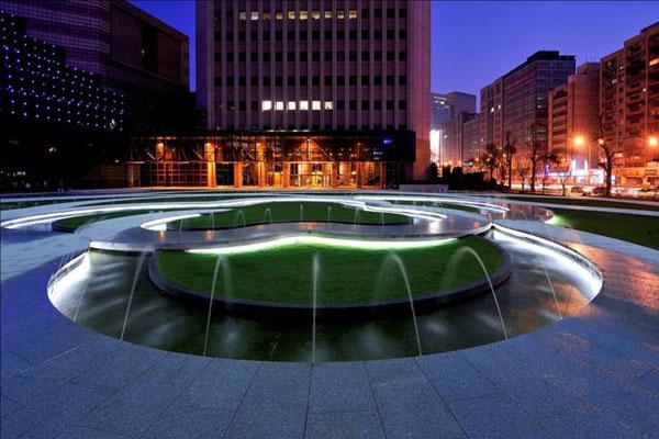台北世界貿易センター広場